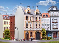 Kibri Stadthaus mit Fabrikanbau in Gorlitz/Neiße (38389)