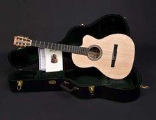 Martin Guitars 000-C Nylon