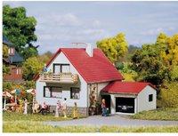 Auhagen Haus mit Garage (12222)