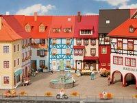 Faller 2 Kleinstadthäuser mit Erker (130495)