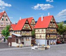Kibri Fachwerkhaus am Markt und Torhaus (37100)