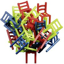 Philos Stuhl auf Stuhl