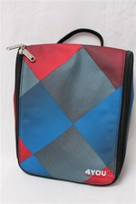 4You Wash Bag M red/blue squared